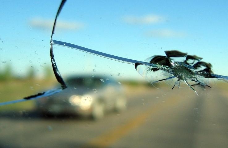 Как заменить лобовое стекло2