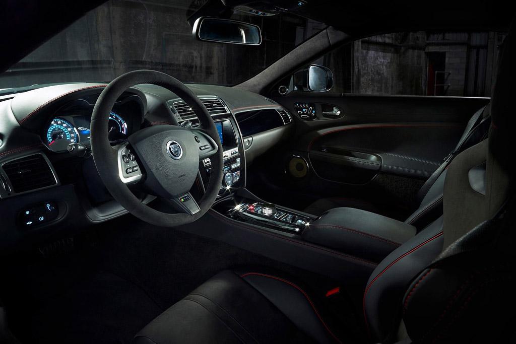 Особенности Jaguar XKR-S GT2