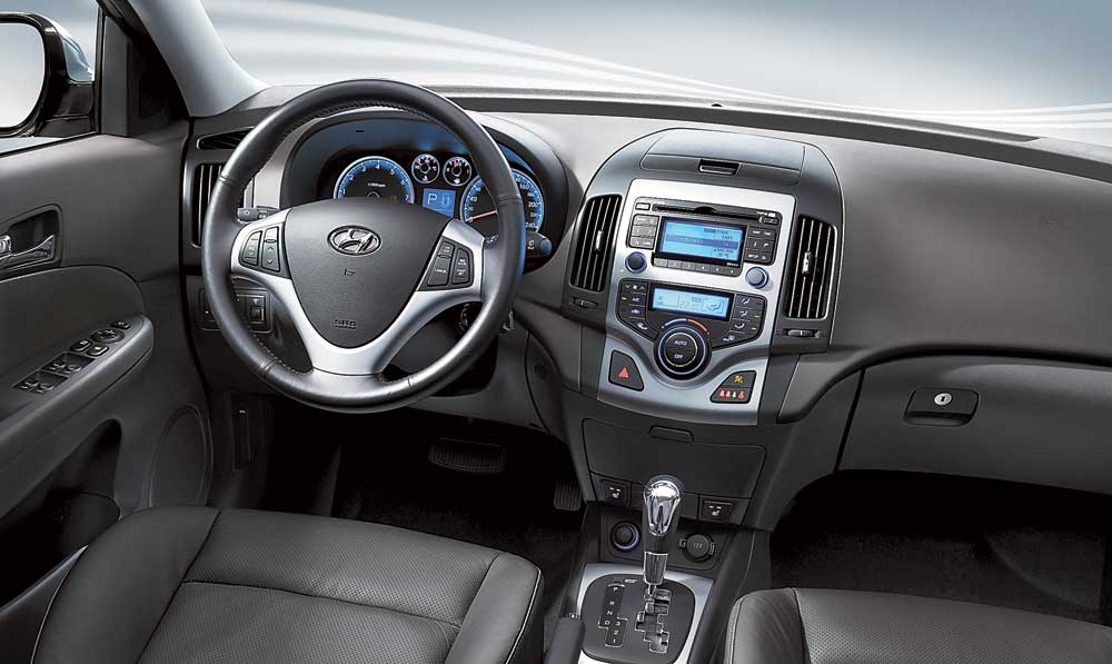 jit in hyundai Kerala's largest hyundai car dealerfully automated service center new cars, used cars and car service.