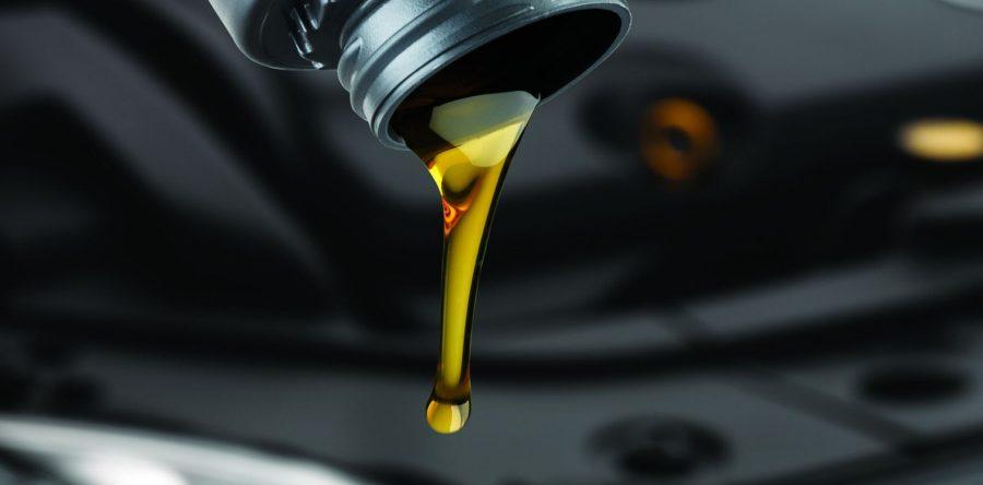 Замена моторного масла: периодичность и основные требования